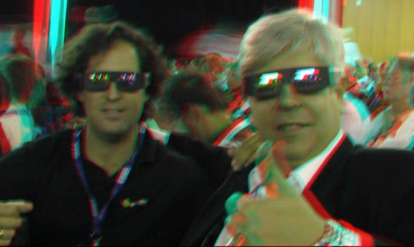 Kike y Jordi con las gafas infitec